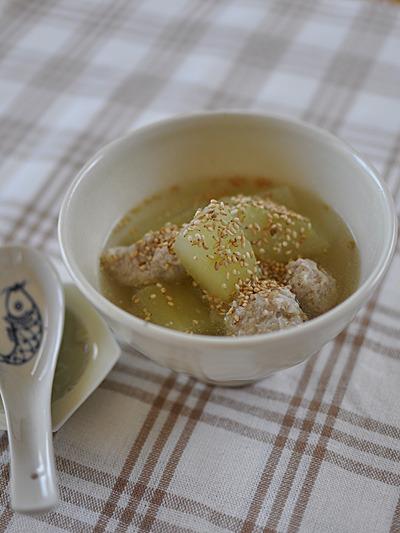 瓜の鶏団子スープ