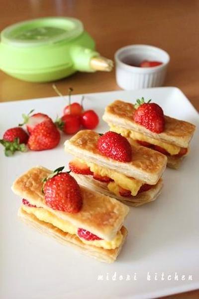 フライパン&レンジで簡単!!苺のミルフィーユ^^