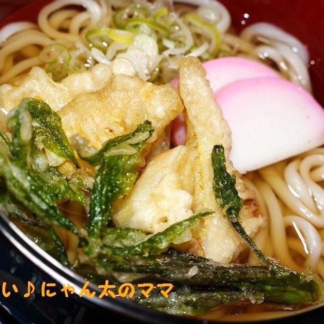 お母さん、1週間まちがえました(汗)<おかゆ><筍と、こしあぶらの天ぷらうどん><鶏肉の唐揚げ(にんにく醤油)>他。。。