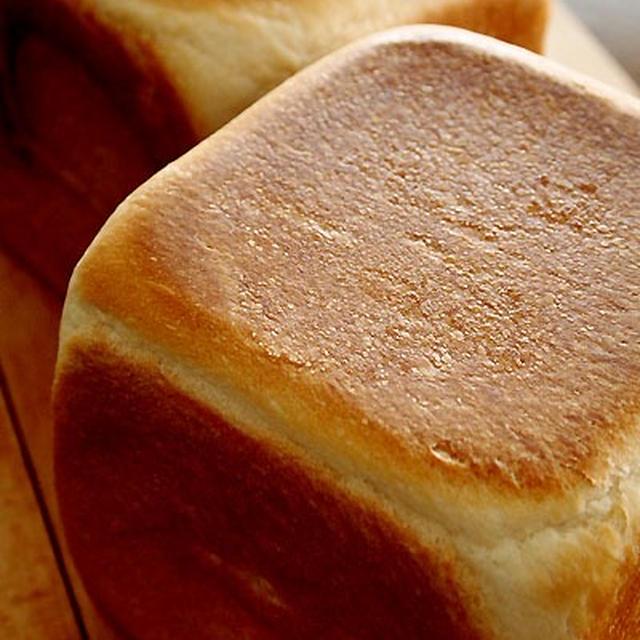 相棒殿と12センチ角食パン&にゃにゃ♪