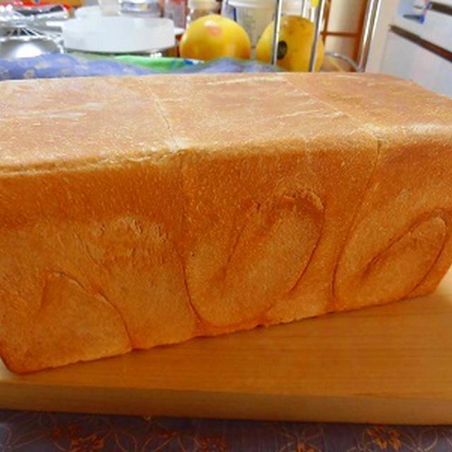 今年最初のパンは角食・・安心してください~