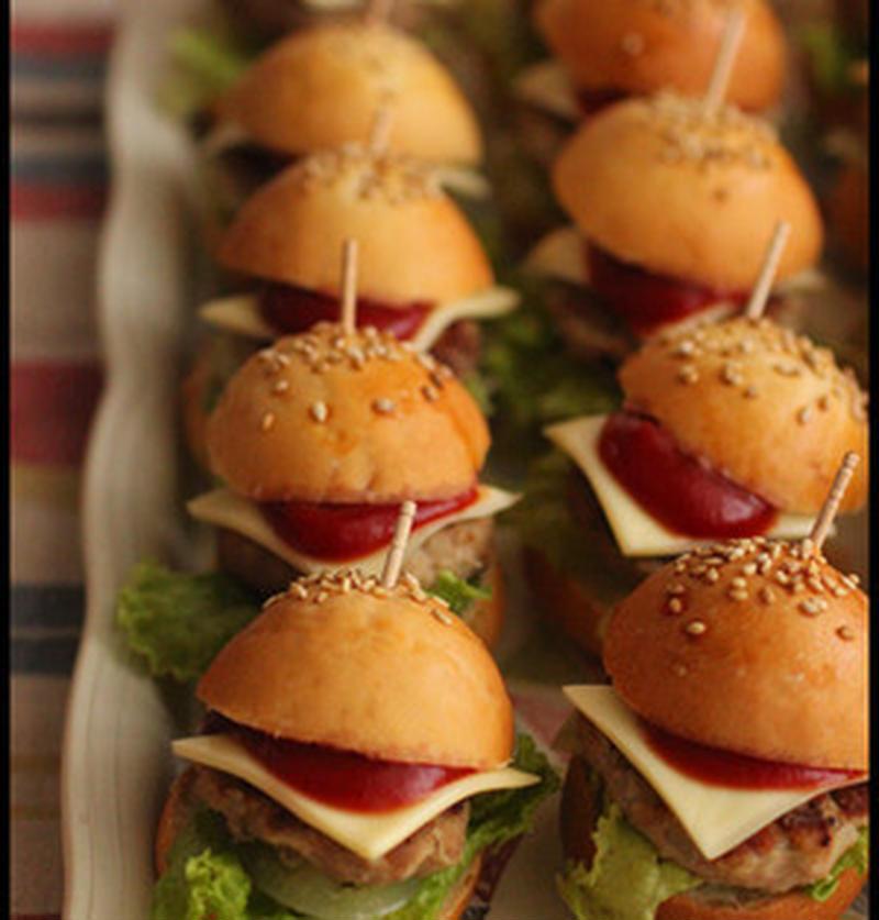かわいいミニハンバーガーが人気に♪「スライダー」に大注目!