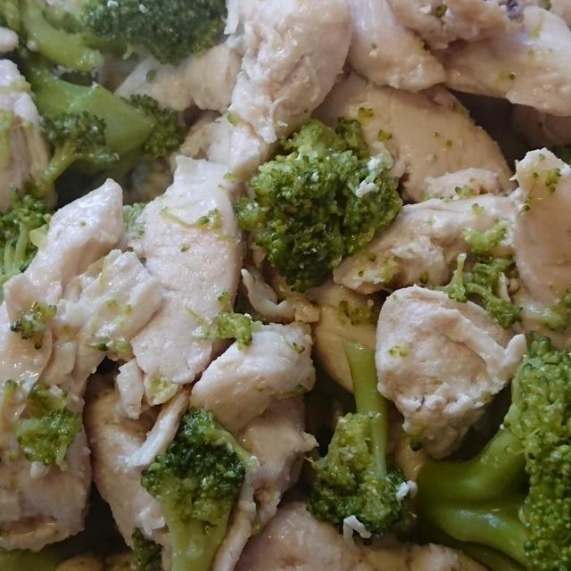ささみとブロッコリーの鶏ガラ炒め