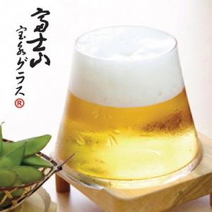 末広がりの一風変わった形のグラスですが、ビールを注いでみると黄金に輝く富士山が!熟練の職人によって刻...