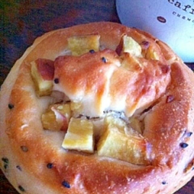 久々にパン焼きました。秋パンです。
