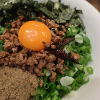 【誰でも作れる】台湾まぜそば風シビ辛麺作り