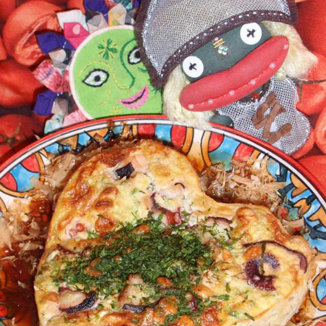 たこ焼き風オムレツとワカメと干し海老の中華風サラダ(お家カフェ)