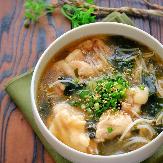 柔らか鶏肉ともやしとわかめのコク旨さっぱりとろみスープ