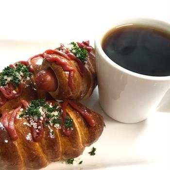 ソーセージドッグパンと散歩と朝ごはん