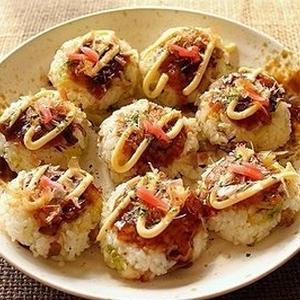 お弁当や軽食にぴったり!お好み焼き味のおにぎりレシピ