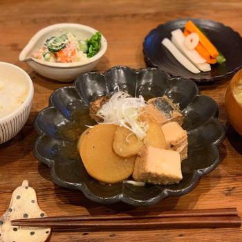 食費月2万の晩御飯は鯖缶で煮物!