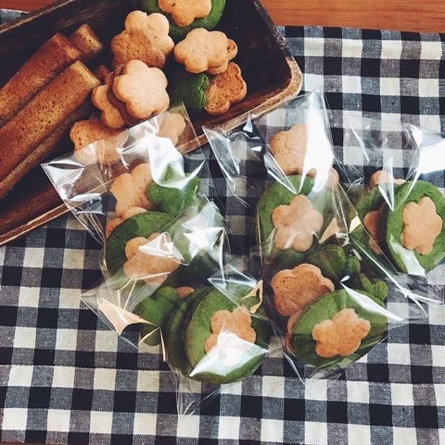 抹茶といちごのお花クッキー
