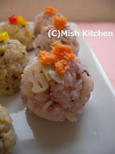 鮭・蓮根・白ごまの手まり寿司