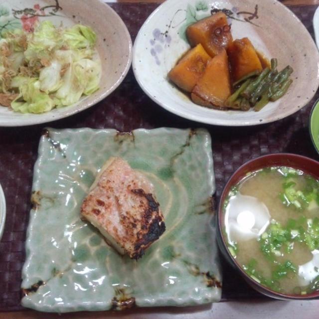 【献立】魚西京焼、カボチャいんげん味噌煮、キャベツニンニク醤油炒め、おかひじきマヨポン和え、ポテサラ