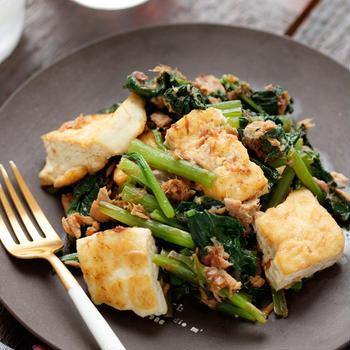 豆腐と小松菜のツナチャンプルー【#作り置き #包丁不要 #卵不使用 #副菜】
