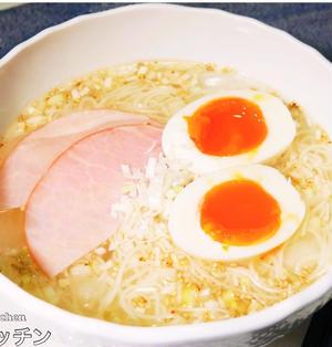 【火を使わない超簡単レシピ】スープもそうめんも止まらない『冷やしネギ塩ラーメン風そうめん』の作り方