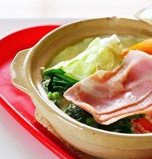 【姫ごはん☆美脚レシピ】ベーコンとキャベツの豆乳みそ鍋の作り方☆