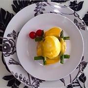 美味しい朝食♪『エッグベネディクト』〜簡単♪ポーチドエッグ・オランディーヌソースの作り方〜