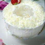 粉雪舞い散るバニラシフォンケーキ