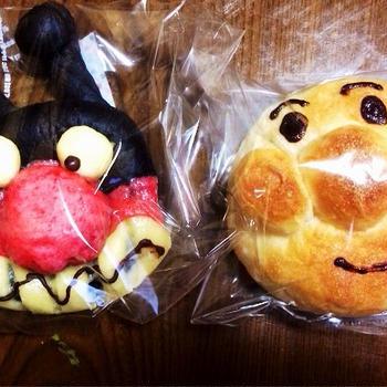 アンパンマンとバイキンマンのパン