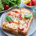 コク旨♡フレッシュトマトのWチーズトースト(*゚▽゚*)♪