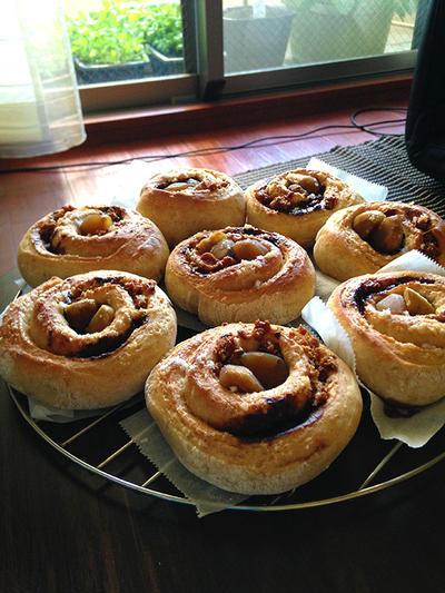 栗のカラメル珈琲ぐるぐるパン。