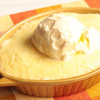 材料2つで5分で完成!ふわふわバニラ蒸しケーキのレンジで簡単作り方。