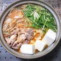 お店の味の味噌鍋(鶏肉、白菜、もやし、豆腐、水菜、えのき)