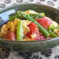 トマトとアスパラガスの卵炒め