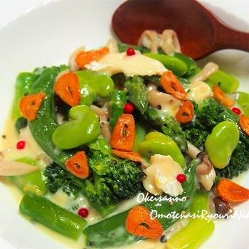 春野菜のチーズフォンデュ風ホットサラダ