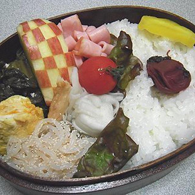 糸こんの炒め物弁当。お好み焼きの晩ご飯