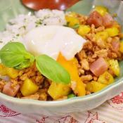 カラフルポテトと鶏肉のガパオライス