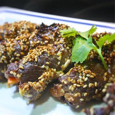 牛肉の野菜と酢漬けプルーン巻き、オイマヨ(オイスター&マヨネーズ)かけのグリル