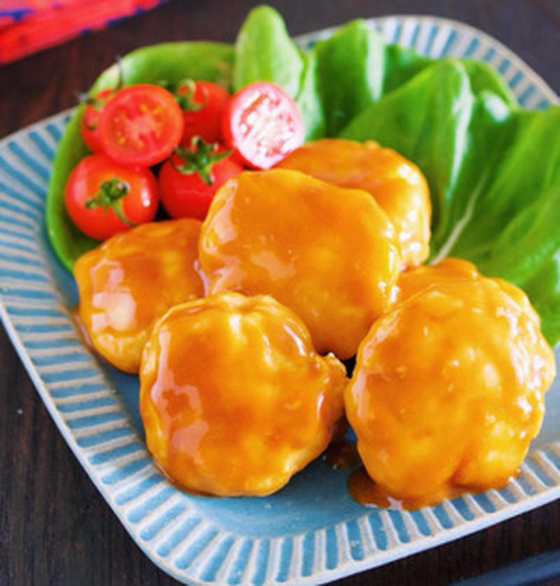 鶏むね肉を使えば節約にも♪アレンジいろいろ「チキンボール」レシピ