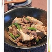 豚肉、豆腐としめじの からし味噌炒め