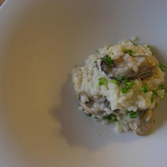 かぶの葉レシピ♪「牡蠣とかぶの葉のリゾット」