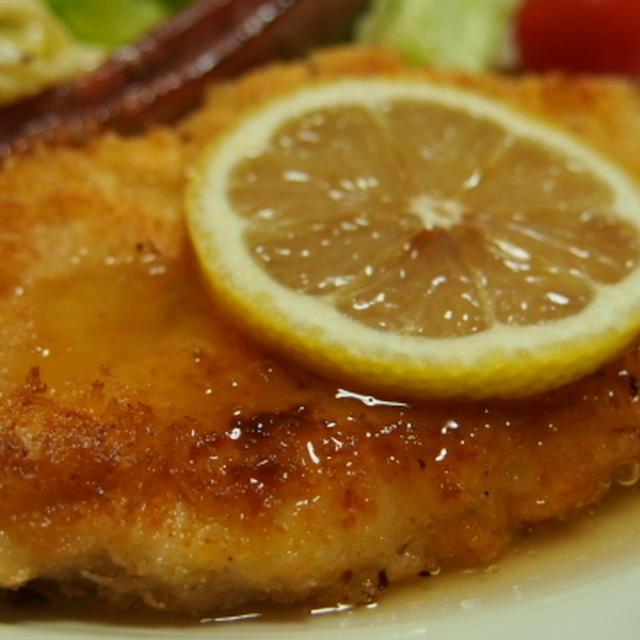揚げ焼きで簡単! レモンソースで食べるささみのカツレツ