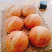 黒糖パン♪ハンバーグサンド♪米粉シフォンにデコレーション♪