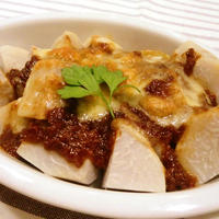 「キューピー 具のソース肉味噌風」deサトイモ簡単グラタン♪