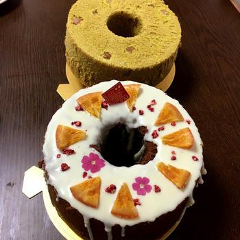 あなたの愛はどこにある?柔らかケーキとともに