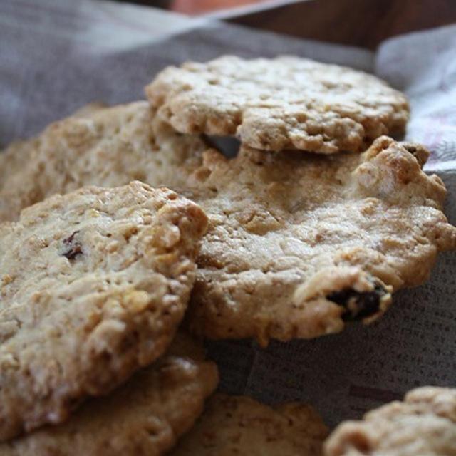 ホワイトチョコとシリアルのクッキー ~おすすめレシピ~