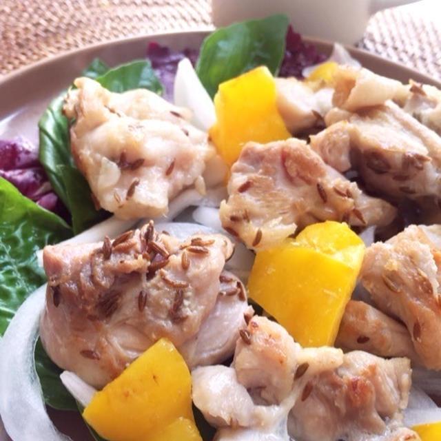 ダイエット効果のあるスパイスで♪鶏肉と黄パプリカのクミン炒め