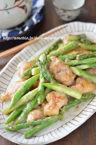 簡単・フライパンひとつ!「鶏肉とアスパラの味噌マヨごま炒め」旬のアスパラがおいしい♪お弁当にも◎
