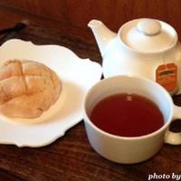 アフタヌーンティーを楽しんだら、「キュキュットCLEAR泡スプレー」で茶渋をきれいに♪