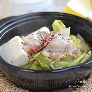 野菜もペロリ!豚バラ×キャベツのコクうまお鍋