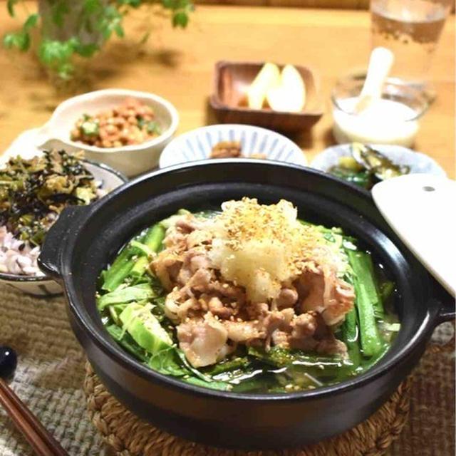 【レシピ】豚キャベツ塩にんにく鍋…ビタミン・ミネラル重視の晩ごはん。