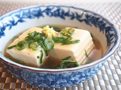 味付けめんつゆ簡単!スプーンで食べる豆腐の煮奴