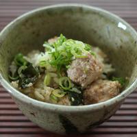 焙煎ごまスープと肉団子の簡単炊き込みご飯