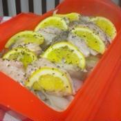 ルクエで秋鮭と舞茸のハーブレモン蒸し