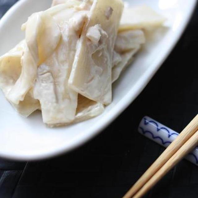 ウドと鶏ハムの味噌マヨ和え